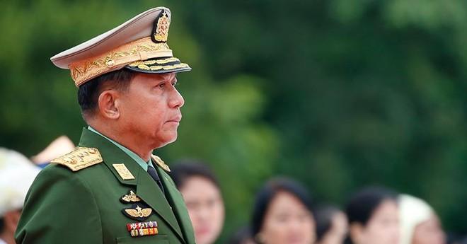 [ẢNH] Tổng Tư lệnh quân đội Myanmar hứa trao trả quyền lực sau bầu cử ảnh 1