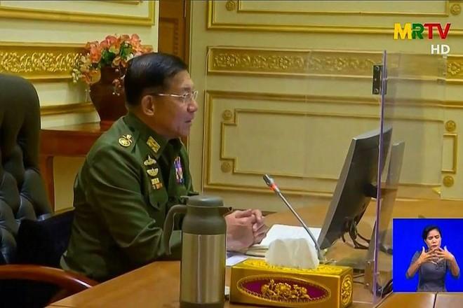 [ẢNH] Tổng Tư lệnh quân đội Myanmar hứa trao trả quyền lực sau bầu cử ảnh 2