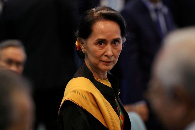[ẢNH] Tổng Tư lệnh quân đội Myanmar hứa trao trả quyền lực sau bầu cử ảnh 4