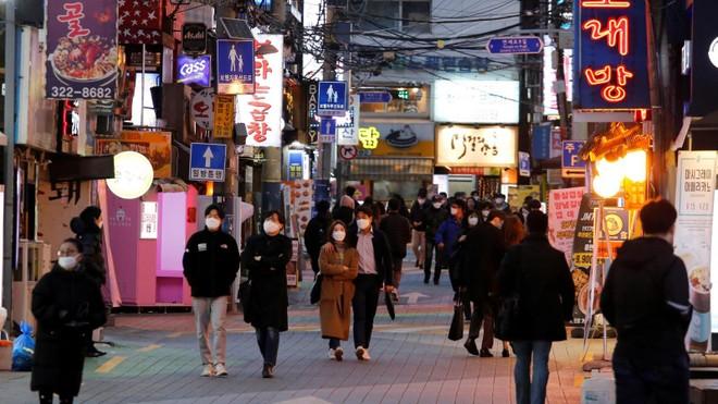 Hàn Quốc nới lỏng quy định về giãn cách xã hội ảnh 1