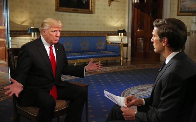 Ông Donald Trump bỏ ngỏ khả năng tái tranh cử, chỉ trích Tổng thống Joe Biden ảnh 1