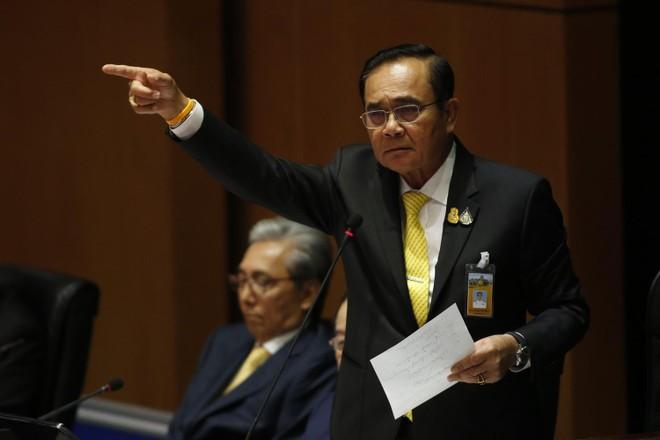 Thủ tướng Thái Lan vượt qua cuộc bỏ phiếu tín nhiệm tại quốc hội ảnh 1