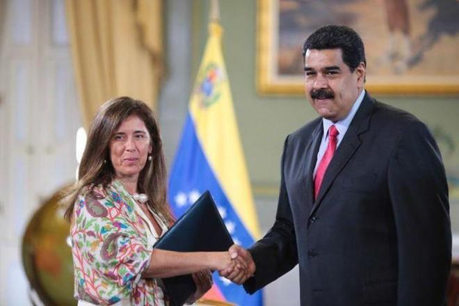 Venezuela trục xuất đại sứ EU để đáp trả lệnh trừng phạt ảnh 1