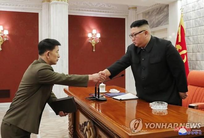 Chủ tịch Triều Tiên bổ nhiệm Tư lệnh Hải quân, Tư lệnh Không quân mới ảnh 1