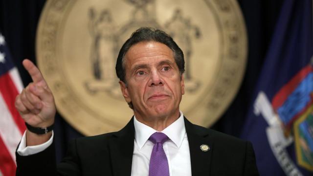 Thêm một cố vấn cáo buộc Thống đốc New York quấy rối tình dục ảnh 1