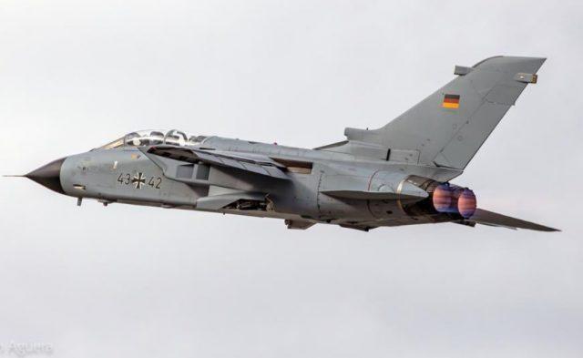 Máy bay Tornado của Đức đánh rơi bom gần biên giới Hà Lan ảnh 1