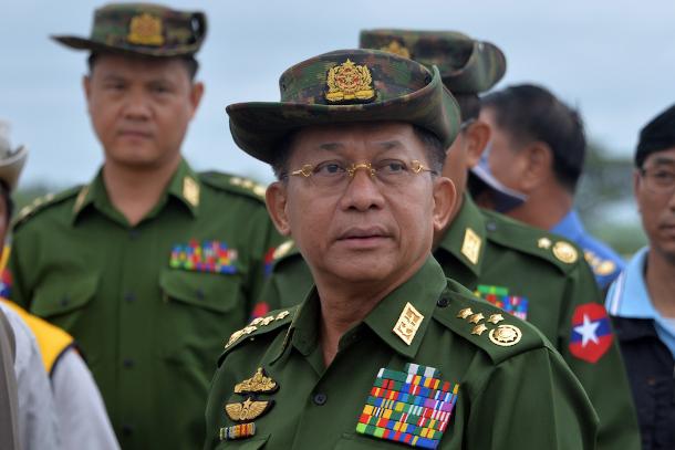 Mỹ - Anh trừng phạt hai tập đoàn lớn do quân đội Myanmar kiểm soát ảnh 1
