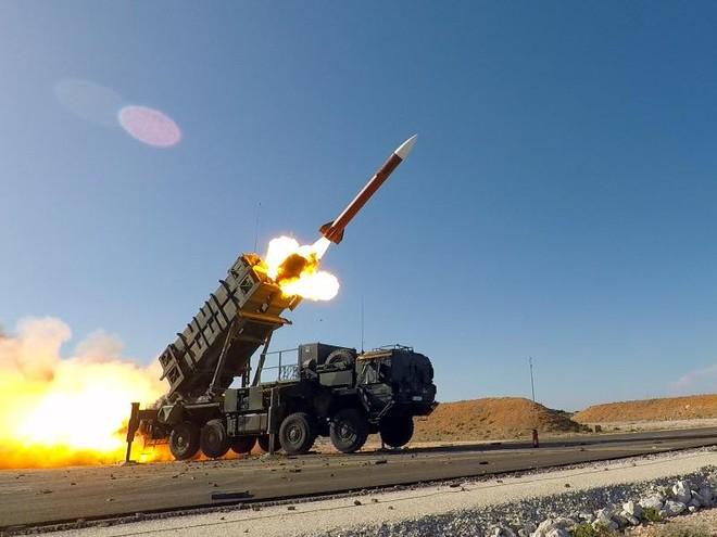 Mỹ bất ngờ rút nhiều khí tài quân sự khỏi vịnh Persian ảnh 1