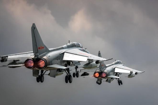 25 máy bay Trung Quốc tiếp cận vùng nhận diện phòng không Đài Loan ảnh 1