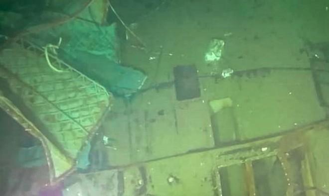Indonesia công bố hình ảnh đầu tiên về mảnh vỡ tàu ngầm KRI Nanggala-402 ảnh 1