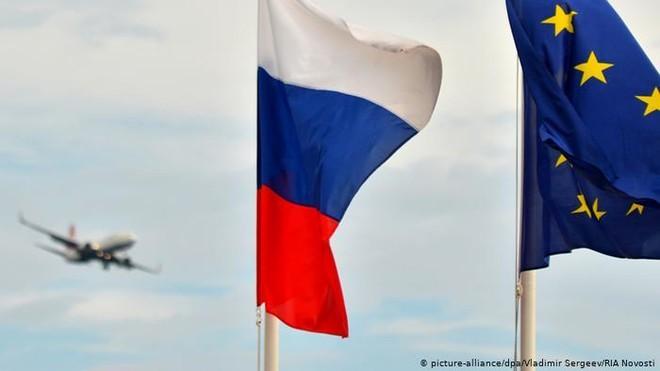 Nga áp đặt trừng phạt với 8 quan chức EU ảnh 1