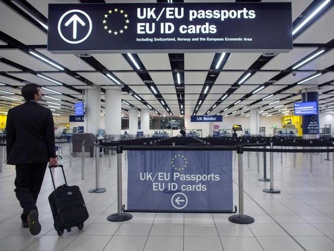 EU mở rộng danh sách chấp nhận người nước ngoài nhập cảnh ảnh 1