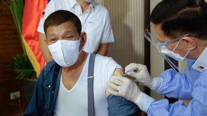 Tổng thống Philippines muốn trả lại Trung Quốc vaccine của Sinopharm ảnh 1
