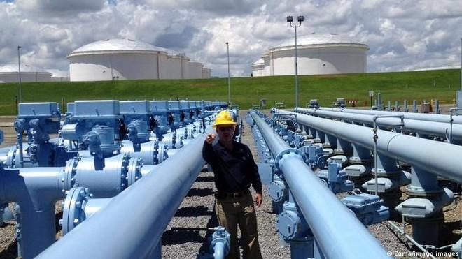 Mỹ ban bố tình trạng khẩn cấp sau vụ tấn công mạng vào đường ống dẫn nhiên liệu ảnh 1