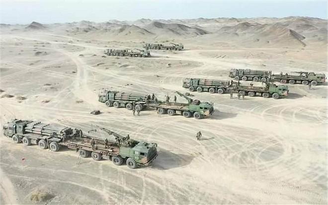 [ẢNH] Trung Quốc triển khai hệ thống rocket phóng loạt PHL-03 đến gần biên giới Ấn Độ ảnh 1