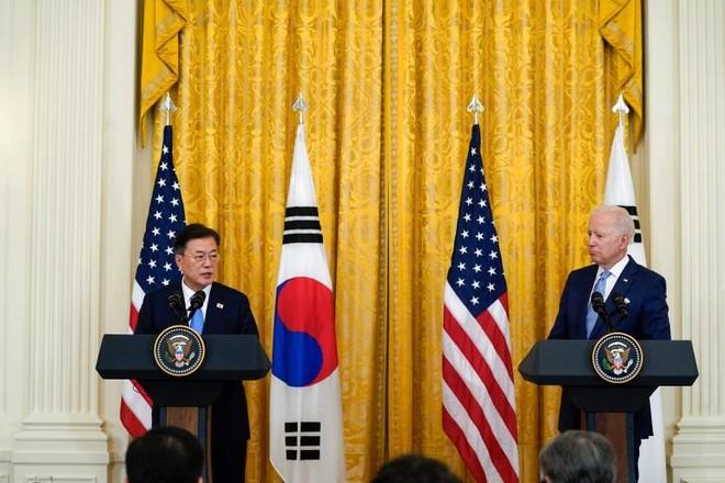 Mỹ dỡ bỏ hạn chế về tầm bắn tên lửa với Hàn Quốc ảnh 1