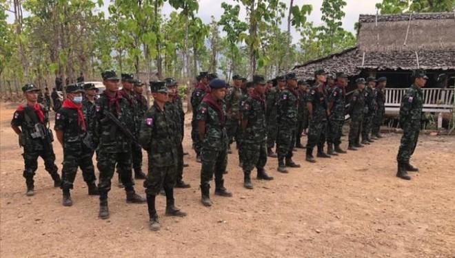 Lực lượng nổi dậy tấn công doanh trại của quân đội Myanmar ảnh 1