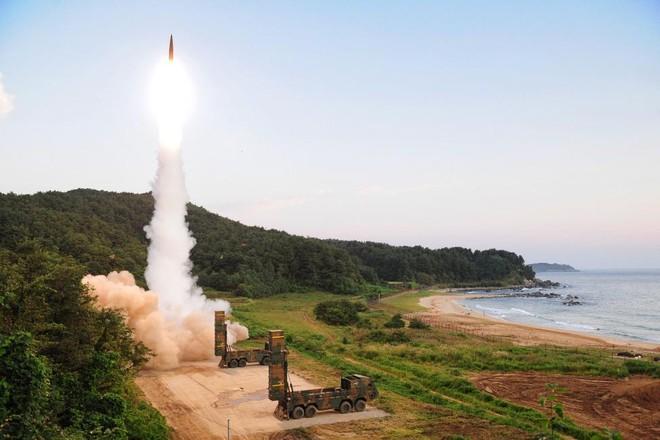 Triều Tiên chỉ trích việc Mỹ gỡ bỏ hạn chế cho tên lửa Hàn Quốc ảnh 1