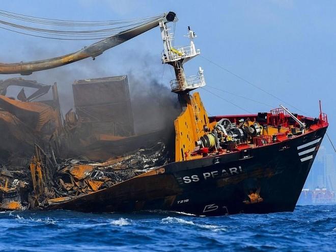 Tàu chở hóa chất Singapore gặp nạn, gây ô nhiễm nghiêm trọng ở Sri Lankae ảnh 1