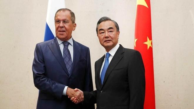 Trung Quốc kêu gọi Nga kiên định lập trường chống Mỹ ảnh 1