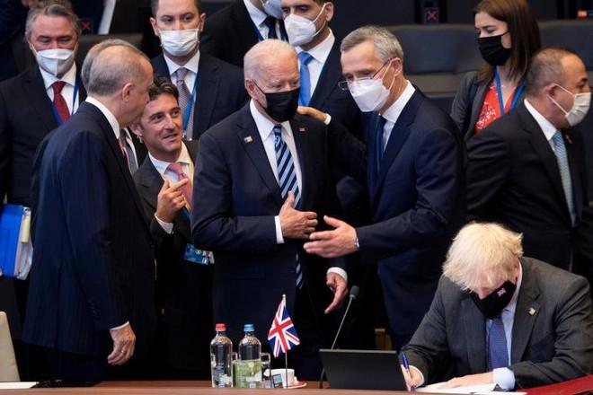NATO đưa ra tuyên bố chung cứng rắn với Trung Quốc ảnh 1
