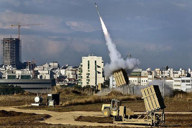 Israel triển khai Iron Dome bảo vệ cuộc diễu hành ở Jerusalem ảnh 1