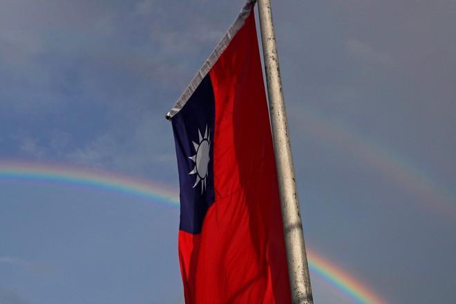 Nhân viên văn phòng đại diện Đài Loan rời Hong Kong ảnh 1