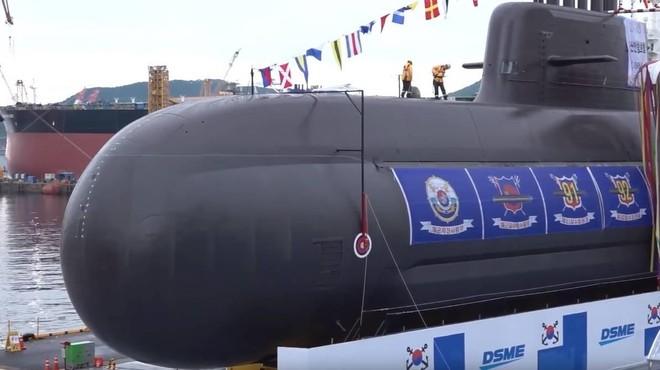 [ẢNH] Hàn Quốc vừa phóng thử thành công tên lửa đạn đạo từ tàu ngầm? ảnh 7
