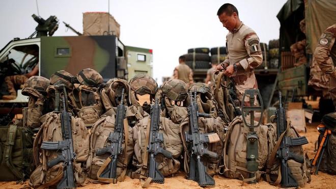 Pháp tuyên bố đóng cửa 3 căn cứ quân sự tại Mali ảnh 1