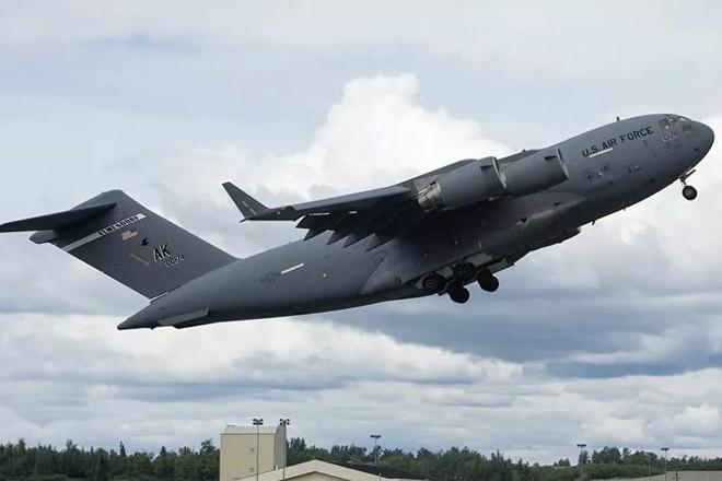 Venezuela cáo buộc vận tải cơ quân sự Mỹ xâm phạm không phận ảnh 1