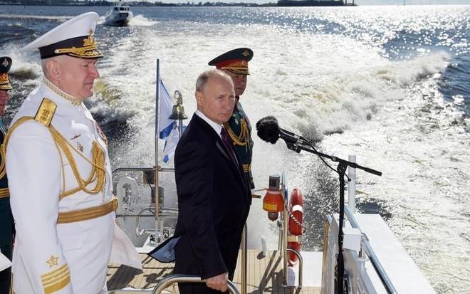 Tổng thống Putin: Hải quân Nga có thể phát hiện và tấn công mọi kẻ thù ảnh 1