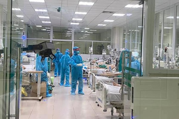 17 nhân viên y tế mắc Covid-19: Không có loại vaccine nào có khả năng bảo vệ 100% ảnh 1