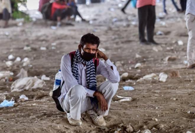 Hàng triệu người nghèo Ấn Độ rơi vào cảnh nghèo đói ảnh 2