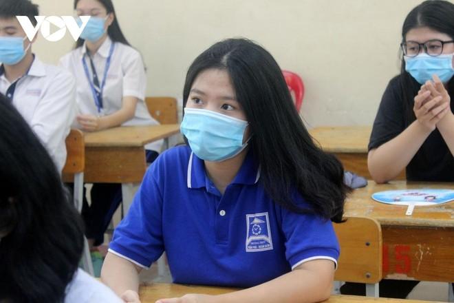 Đề thi chuyên Văn vào lớp 10 Hà Nội: Đề thi hay, có sức phân loại cao ảnh 2