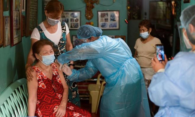 Tổng thống Philippines Duterte dọa bỏ tù người không tiêm vaccine Covid-19 ảnh 1