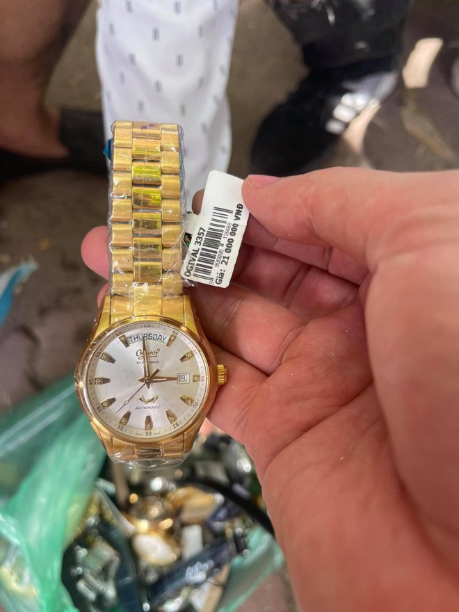 Trộm 27 chiếc đồng hồ hàng hiệu tại Lào Cai, trốn xuống Hà Nội gặp ngay... Cảnh sát 141 ảnh 3