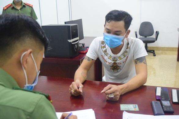 Thừa Thiên Huế: Triệt phá đường dây cá độ bóng đá gần 100 tỷ đồng ảnh 1