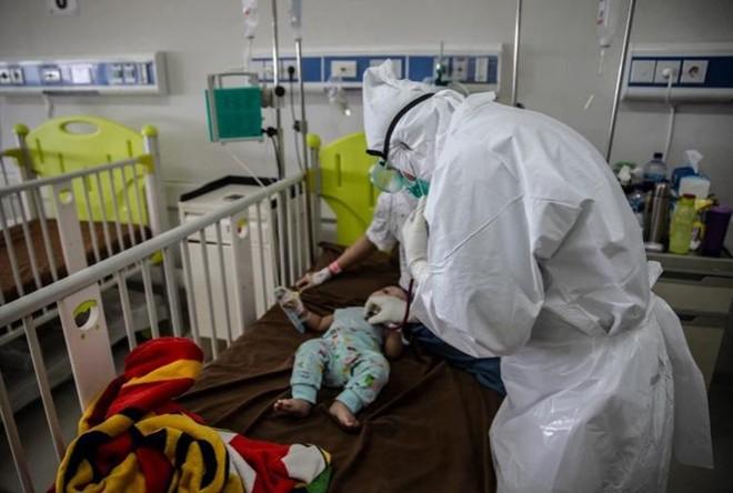 Vì sao nhiều trẻ em thiệt mạng vì nhiễm Covid-19 ở Indonesia? ảnh 2