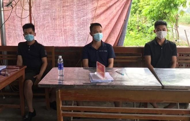 Bắt giữ nhóm thanh niên xúc phạm Công an tại chốt kiểm dịch Covid-19 ảnh 1