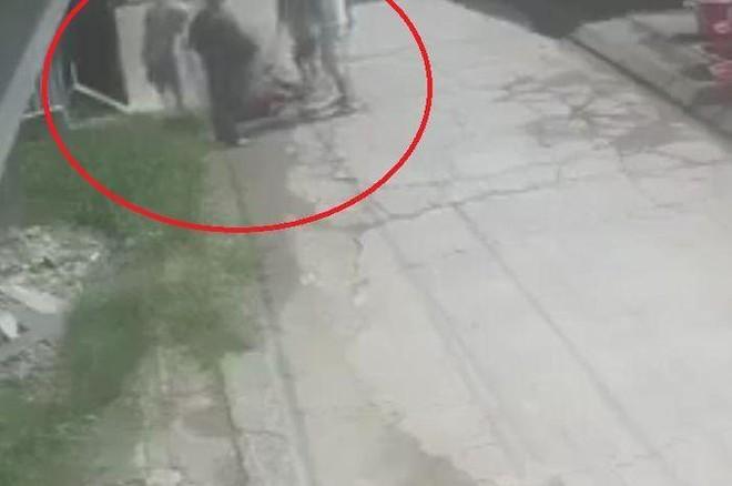 Một người đàn ông bị bắt giữ và đánh tử vong tại huyện Thường Tín ảnh 1