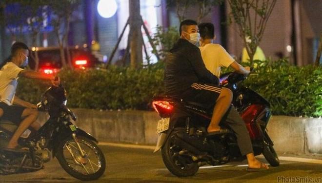 Lực lượng 141 xử phạt nhiều trường hợp vi phạm giao thông đêm Trung thu ảnh 3