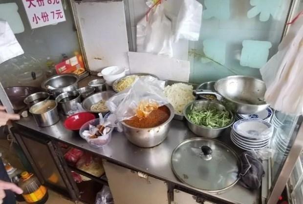 Trung Quốc: Trộn thuốc phiện vào đồ ăn cho khách để phục hồi kinh doanh sau dịch Covid-19 ảnh 1