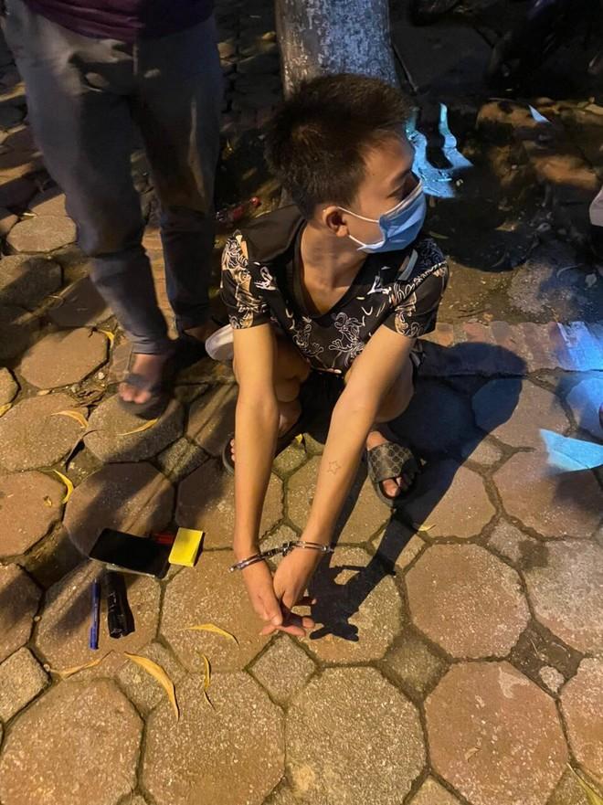 Cảnh sát 141 lật tẩy hành vi phi tang ma túy của 'con nghiện' ảnh 1