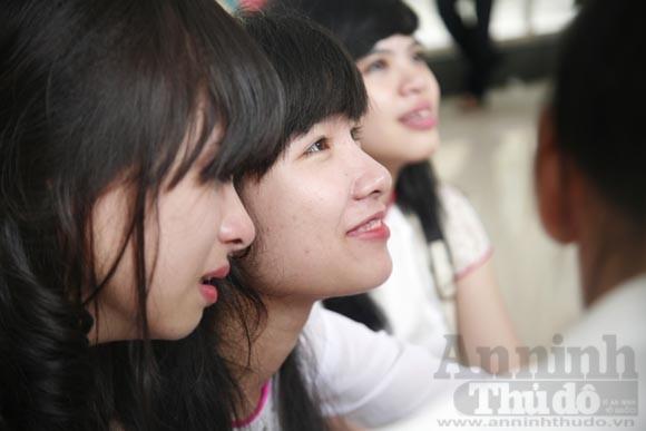"""Xúc động """"ngày chia xa"""" của thầy - trò trường THPT Nguyễn Tất Thành ảnh 4"""