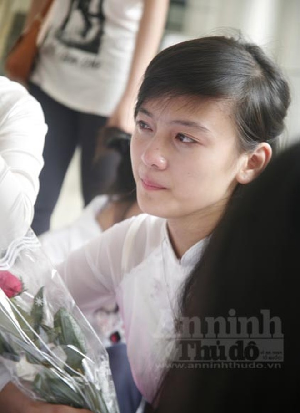 """Xúc động """"ngày chia xa"""" của thầy - trò trường THPT Nguyễn Tất Thành ảnh 2"""