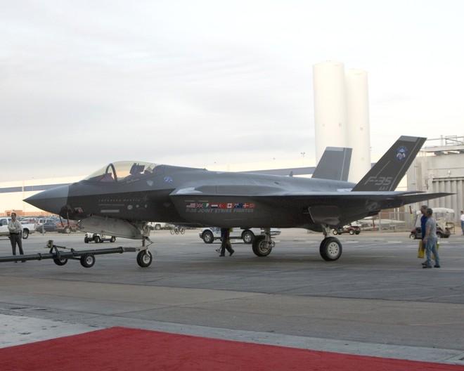 """Tất cả các phiên bản F-35 đồng loạt """"rớt giá"""" ảnh 1"""