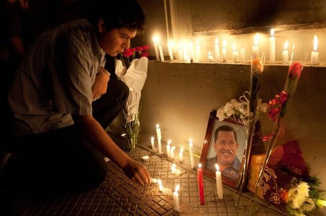 Thi hài cố Tổng thống Chavez được ướp và trưng bày vĩnh viễn ảnh 8