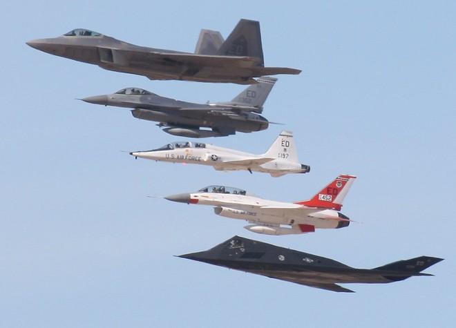 Mỹ cắt giảm, Nga và Trung Quốc tăng chi tiêu quân sự ảnh 1