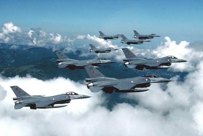 Mỹ bán lô vũ khí trị giá 10 tỷ USD giúp đồng minh vây ép Iran ảnh 1