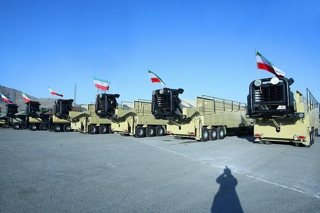 Iran trang bị hàng loạt hệ thống phóng tên lửa đối đất tầm xa ảnh 1